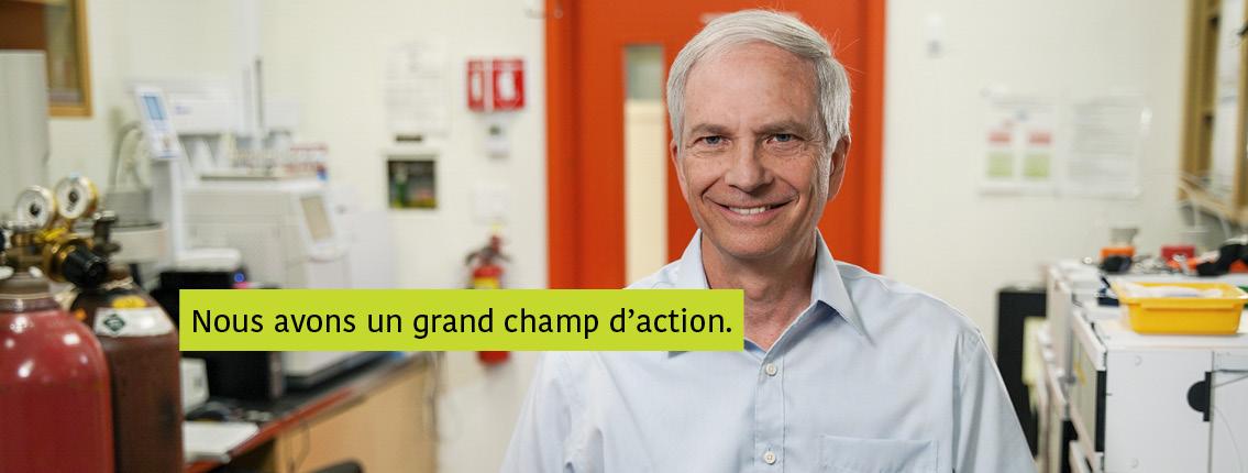 Charles Forney, Ph.D. dans son laboratoire. Texte : Nous avons un grand champ d'action