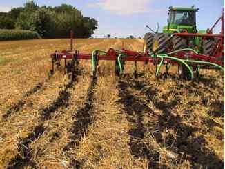 Low disturbance injection of liquid manure